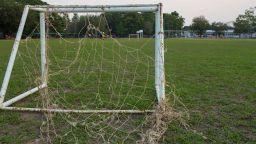 Футболна врата падна върху 8-годишно дете