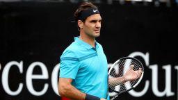 Федерер бе разколебан, но се завърна успешно