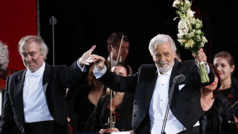 """Доминго и Нетребко пяха пред Путин на """"Червения площад"""" (снимки)"""