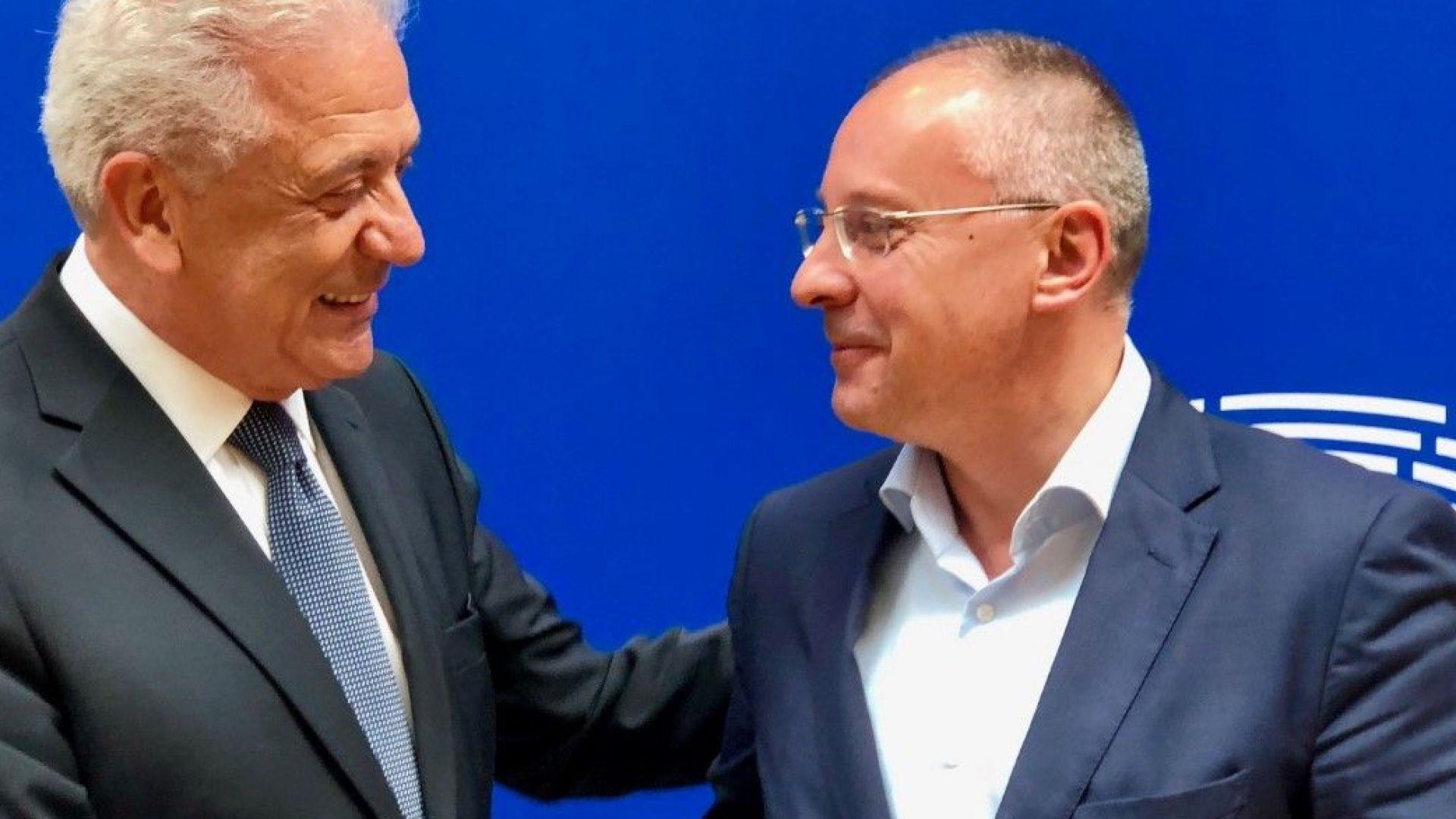 Аврамопулос с категорична подкрепа за доклада на Станишев за България в Шенген с всички граници