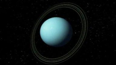 НАСА: Нещо изтича от Уран