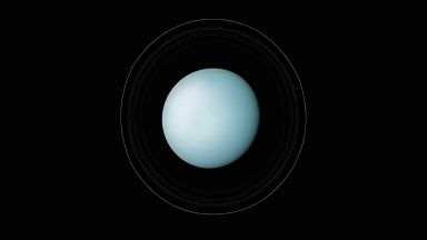 Спокойният Уран и дълбоките каньони на Миранда