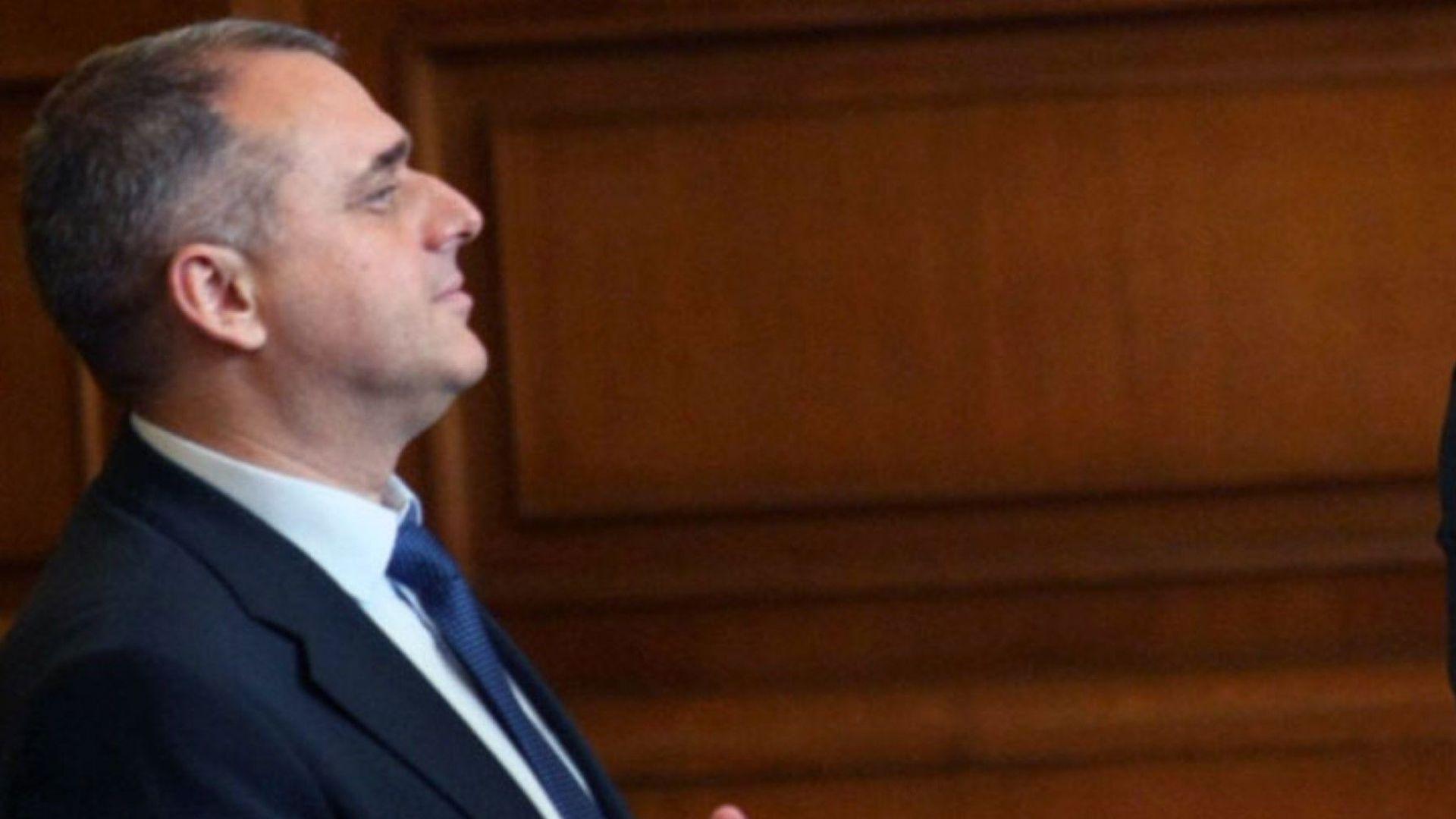 """ОП искат със закон да се глобяват до 5000 лв. чиновници, които си """"позволяват да говорят на език, различен от българския"""""""