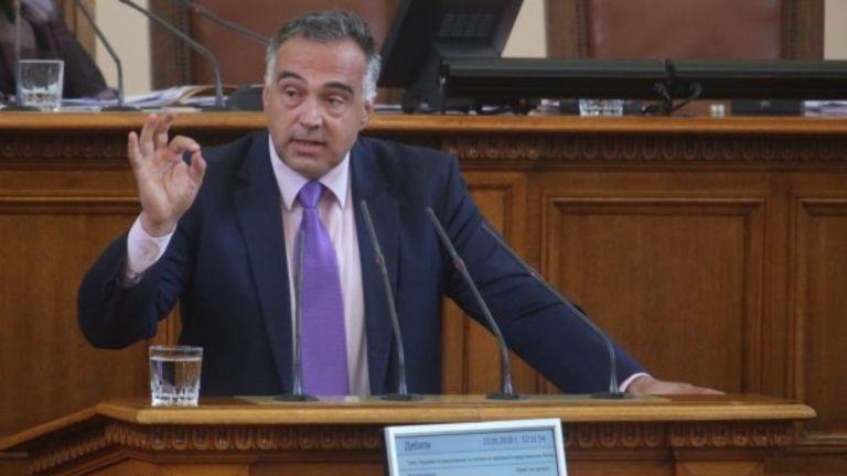 Говорителят на служебния кабинет Антон Кутев отвърна на Станислав Недков-Стъки,