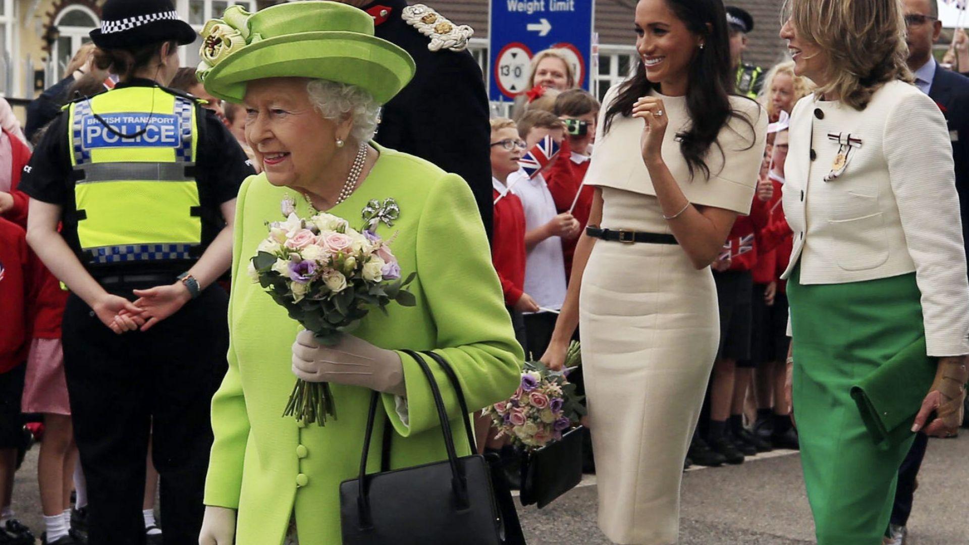 Евакуират Елизабет II при безредици след Брекзит