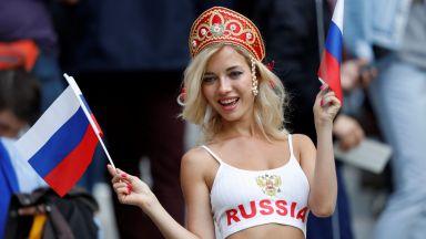 Москва вдигна зрелищно завесата на Световното (галерия)