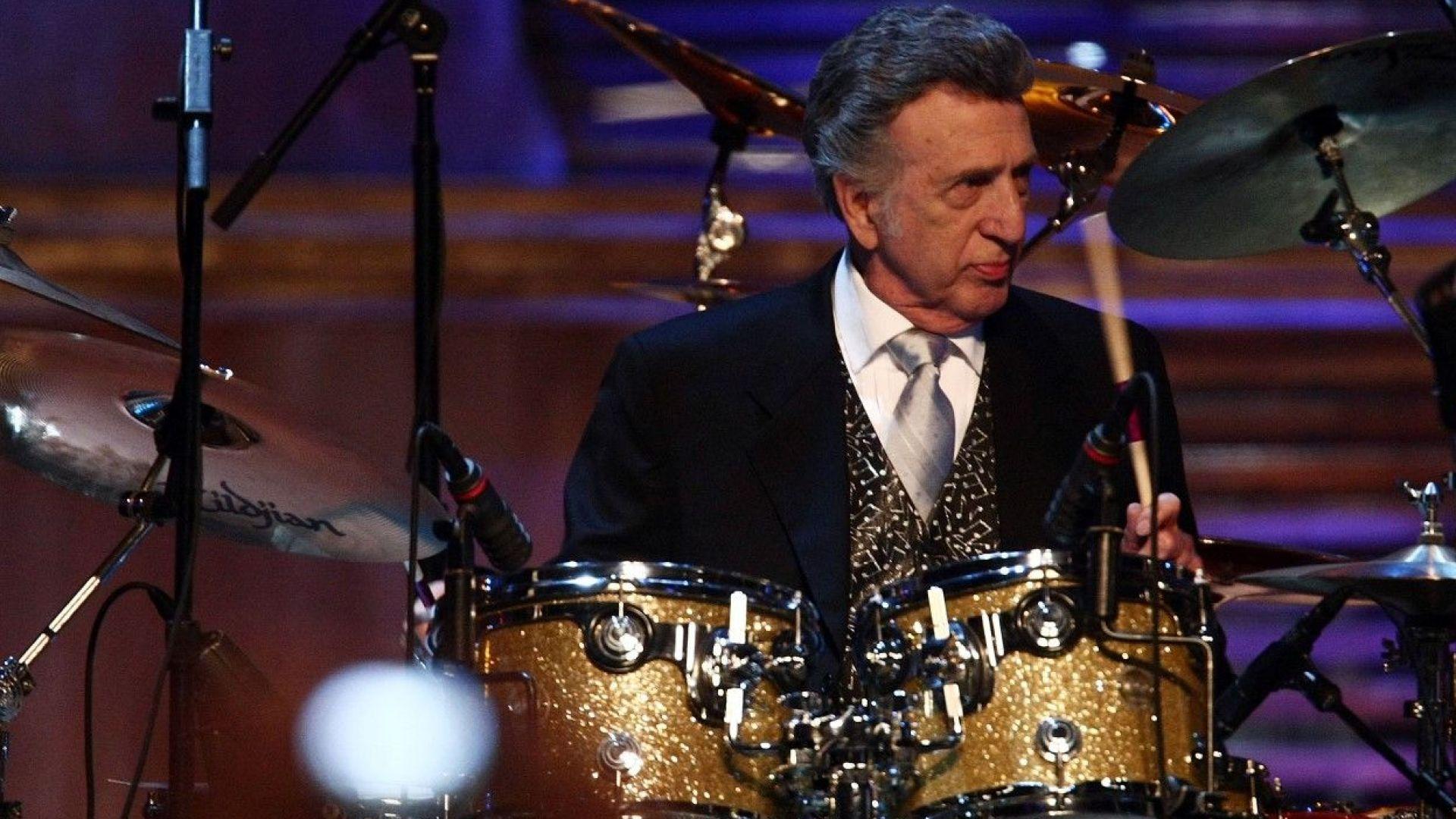 Почина барабанистът на Елвис Пресли