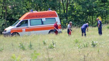 Откриха труп в запустяла ливада край Казанлък (снимки)
