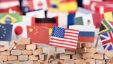 Търговската война САЩ срещу останалия свят се разгаря