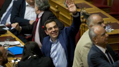 Ципрас оцеля при вот на недоверие, ще има Северна Македония