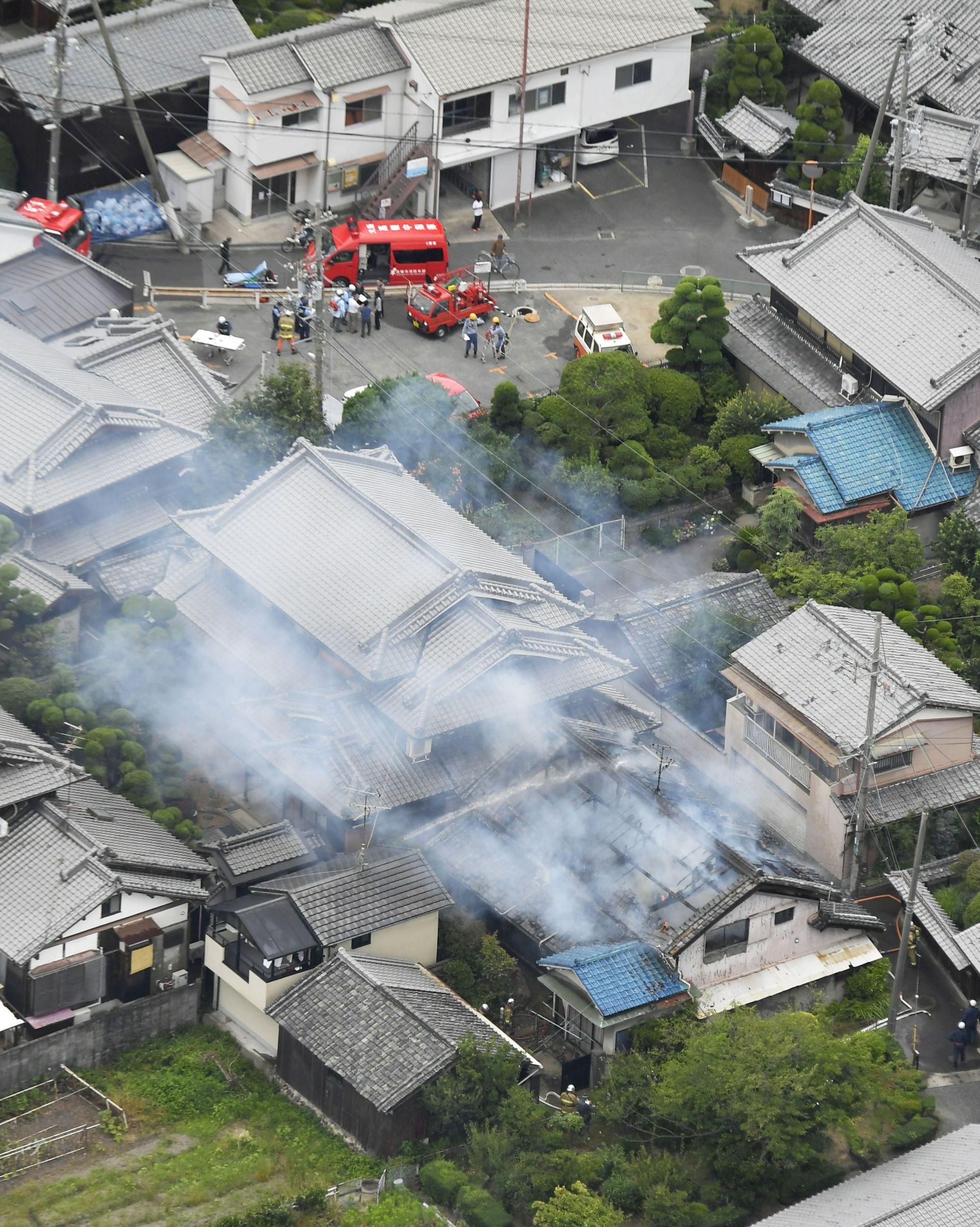 Щети след земетресението в Осака