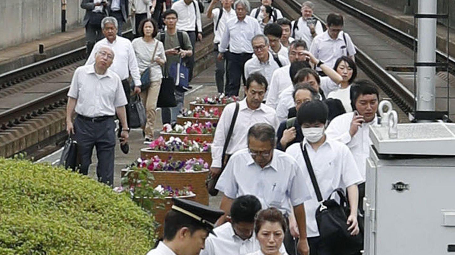 Трус от 6,1 по Рихтер разтърси Осака, най-малко трима загинали