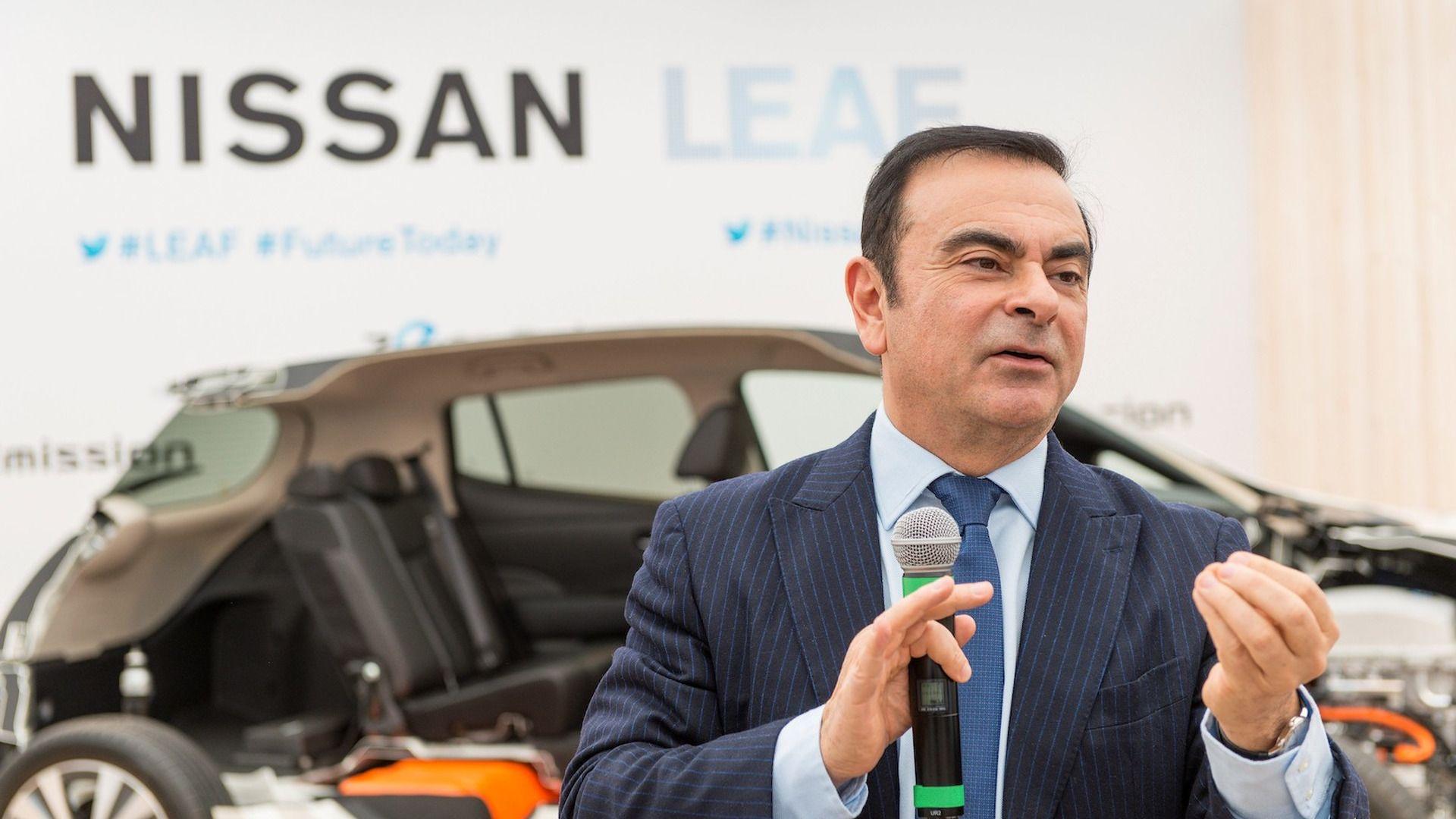 Renault остава в Иран