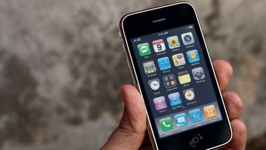 iPhone 3GS отново в продажба