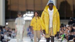 """Седмицата на модата в Милано започна с дефиле на """"Ерменеджилдо Дзеня"""""""