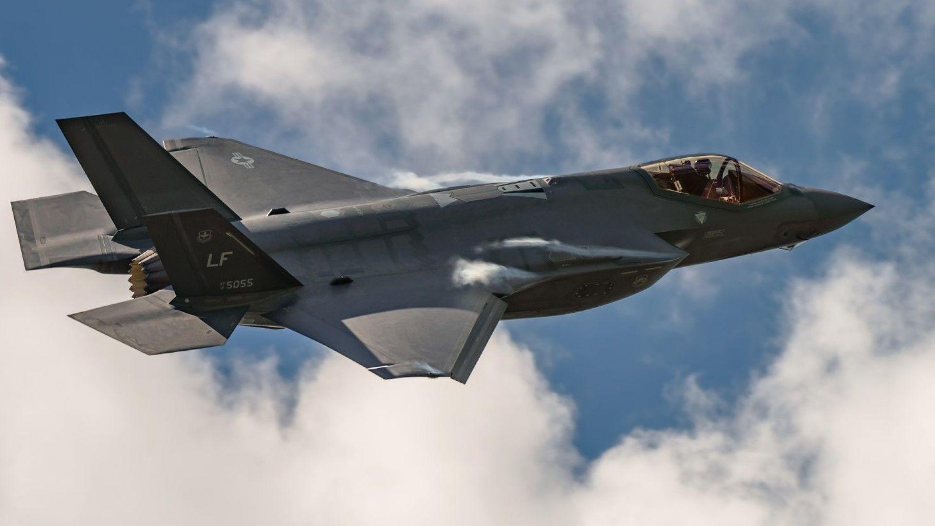 Турция получава първите два изтребителя F-35