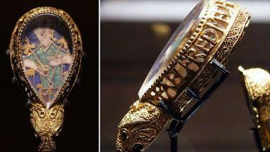 """""""Съкровището на Алфред"""" - статуетка от времето на първия английски крал"""