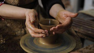 Занаятчии показват умения си в Стария град