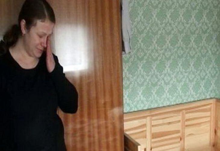 2012 г. Съпругата на д-р Стайков - Лилия, в празната детска стая...