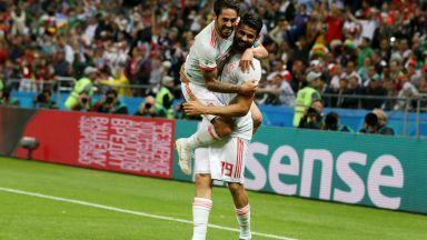 Щастлив рикошет спаси Испания срещу иранските бойци