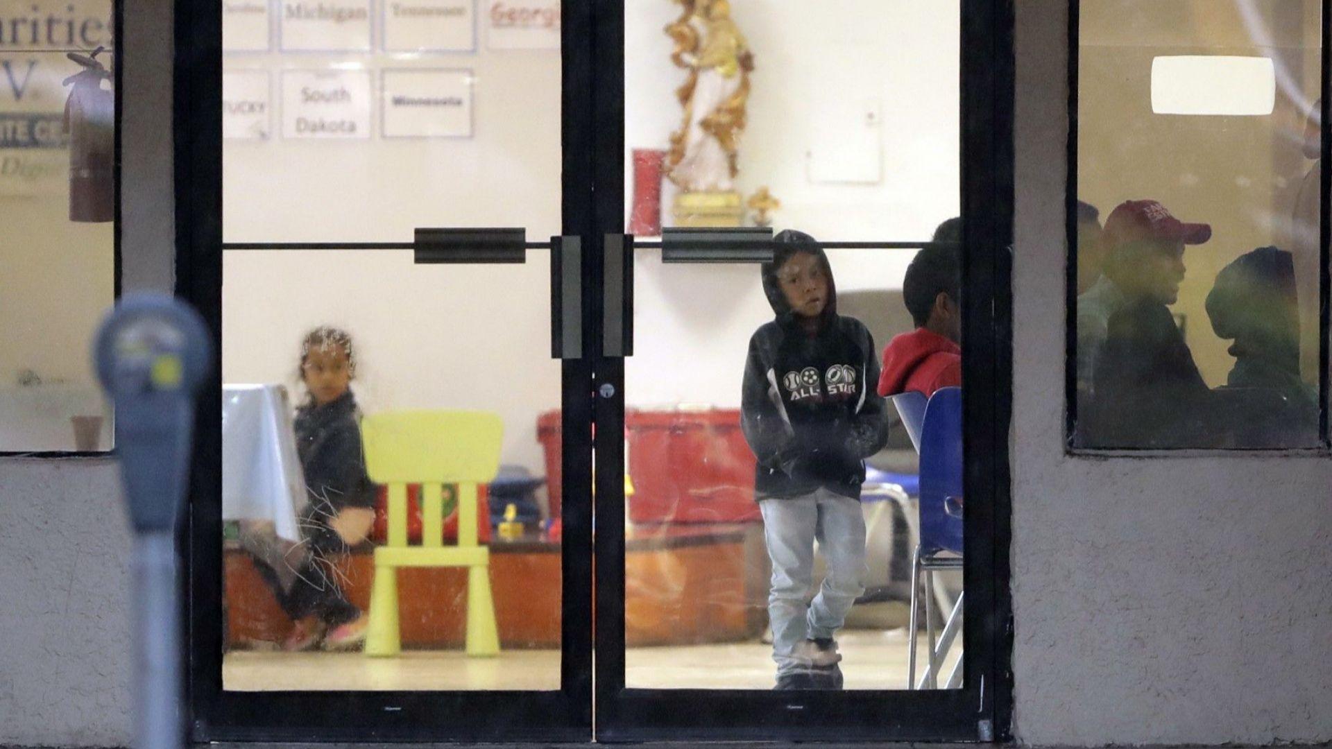 Тръмп сложи край на разделянето на деца от родители, незаконни мигранти