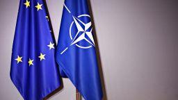 """59% от българите са """"за"""" оставане в ЕС, 49 на сто подкрепят НАТО"""