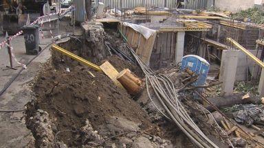 Улица във Варна пропадна в строеж, хора останаха без ток и вода