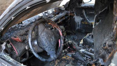 Подпалиха 10 коли на паркинг на заложна къща в София