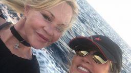 Мелани Грифит (60) по бански в Сардиния (снимки)