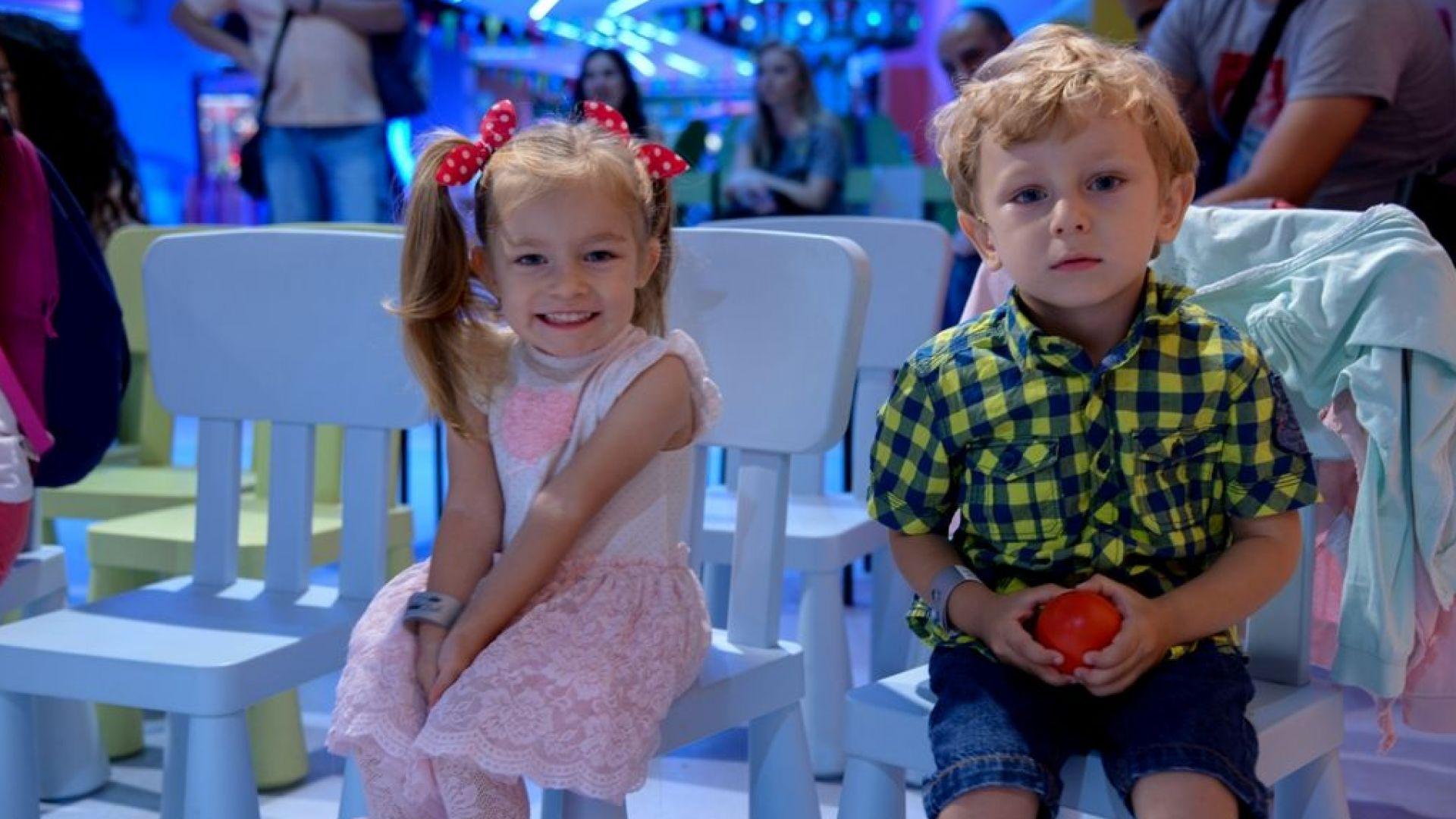 Балът на близнаците гони рекорд за масовост
