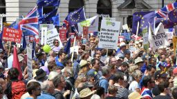 100 000 души протестираха в  Лондон навръх годишнината от референдума за Брекзит