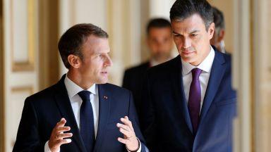 Макрон: Финансови санкции за страни, отказващи да приемат бежанци