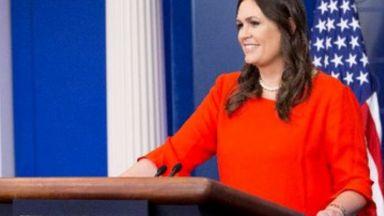 Говорителката на Белия дом изгонена от ресторант, защото работи за Тръмп