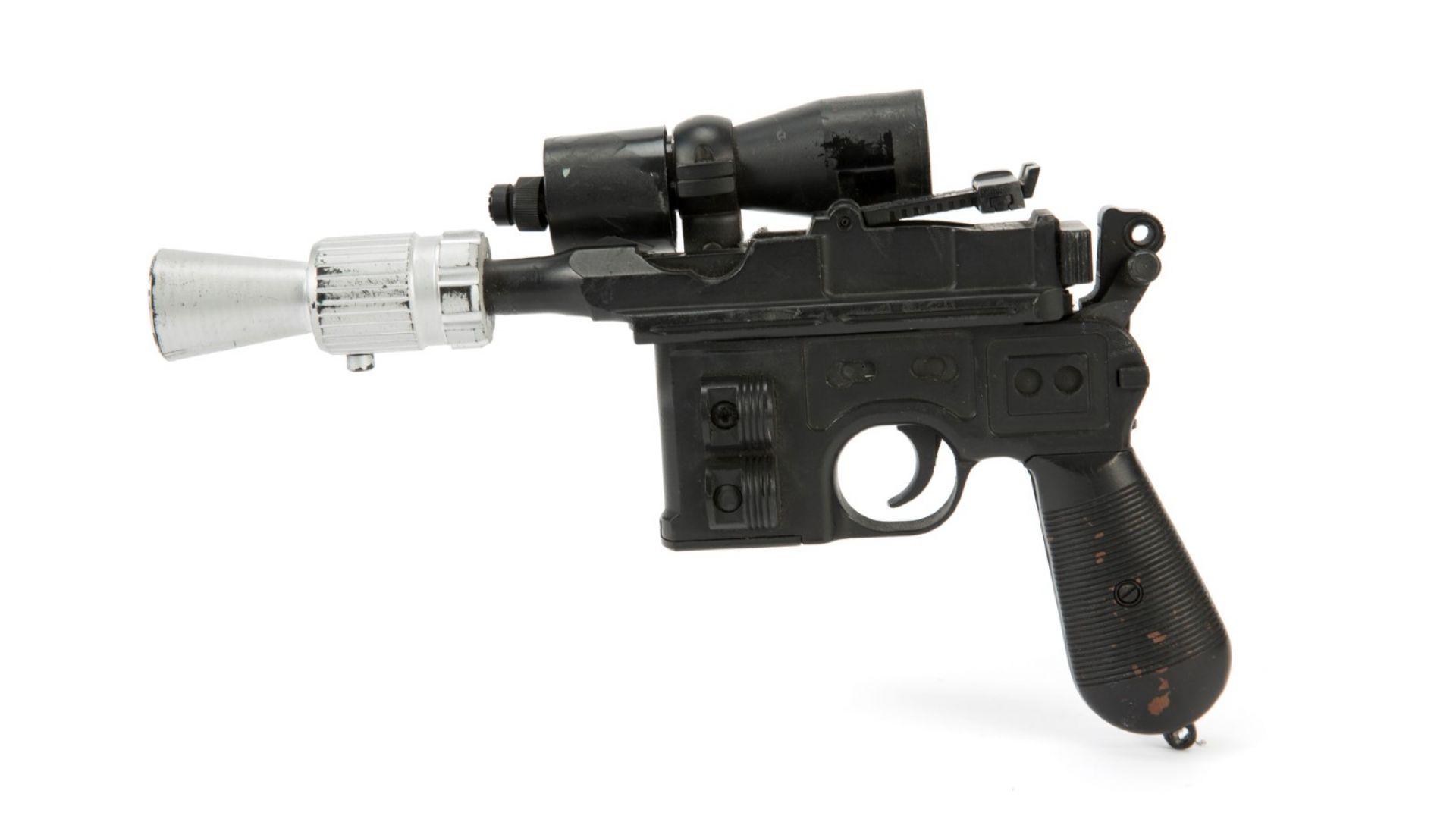 """Лазерният пистолет на Хан Соло от """"Завръщането на дждаите"""" продаден за $550 000"""