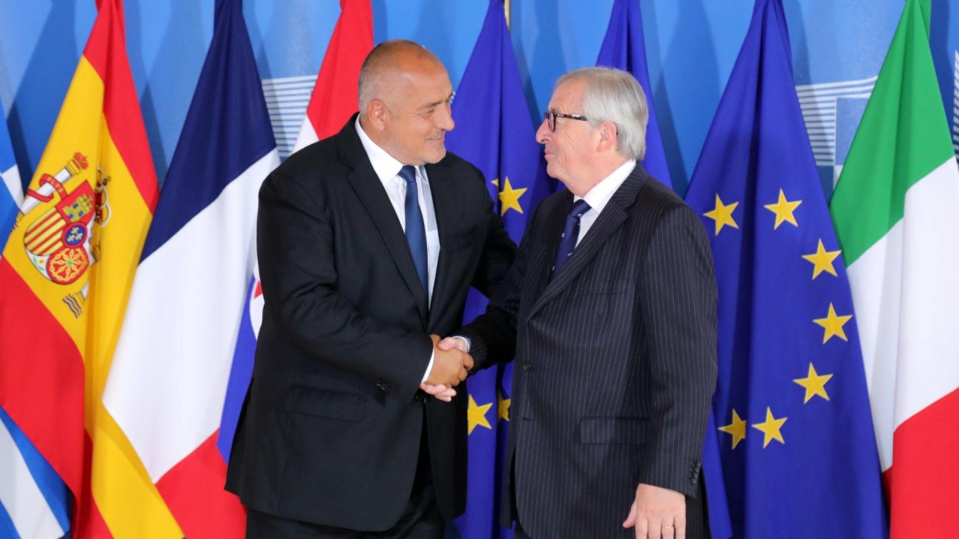 Премиерът тръгна за Брюксел с 5 решения за мигрантите, пристигна с 3