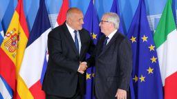 Борисов тръгна за Брюксел с 5 решения за мигрантите, пристигна с 3