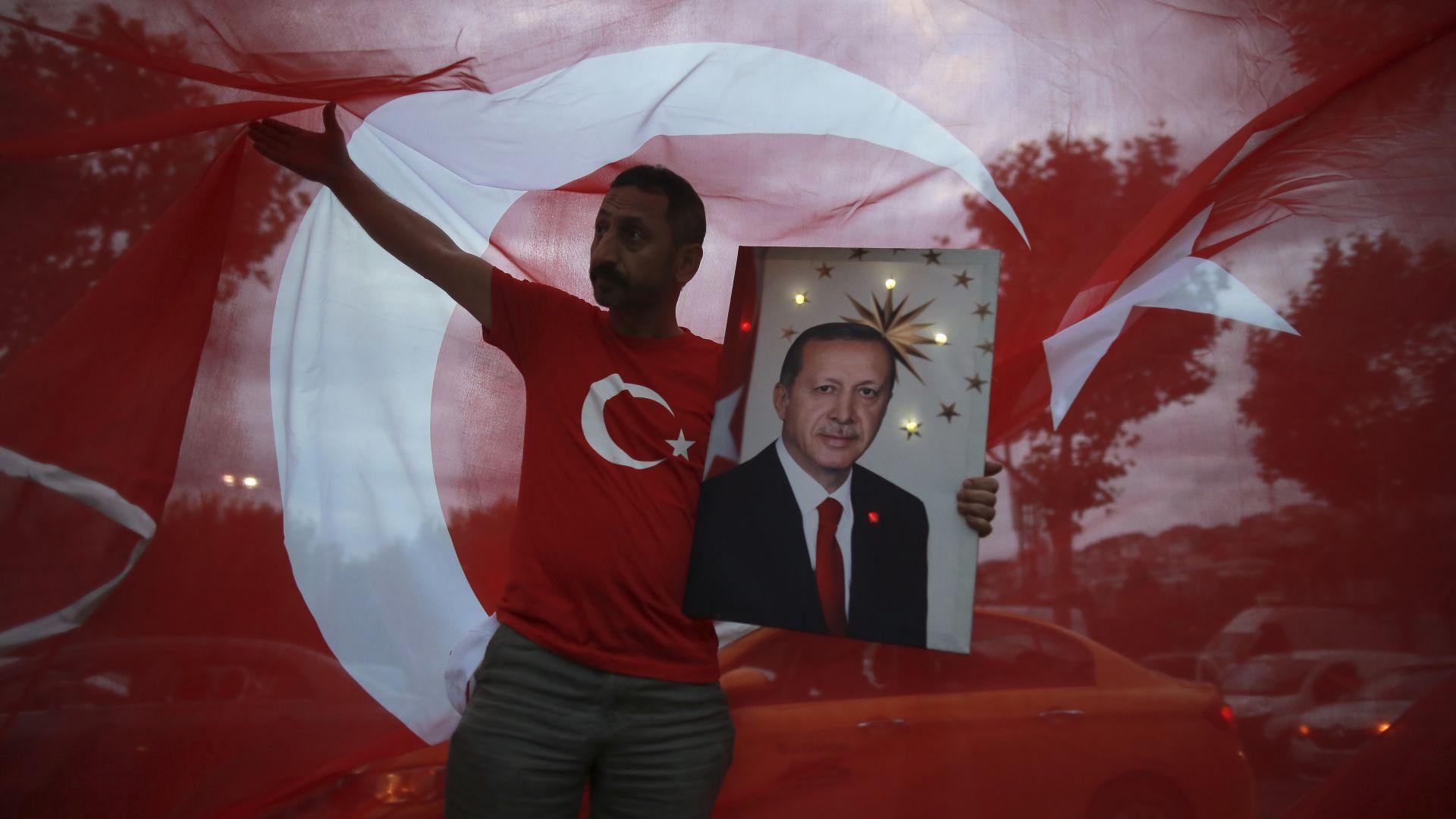 Ердоган обяви победата си за президент на Турция (обновена)