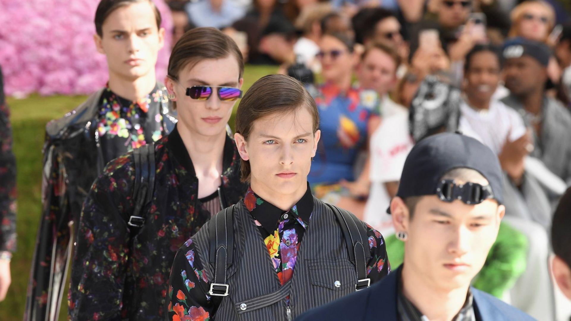 Dior представи в Париж колекция, надникнала в архивите (галерия)