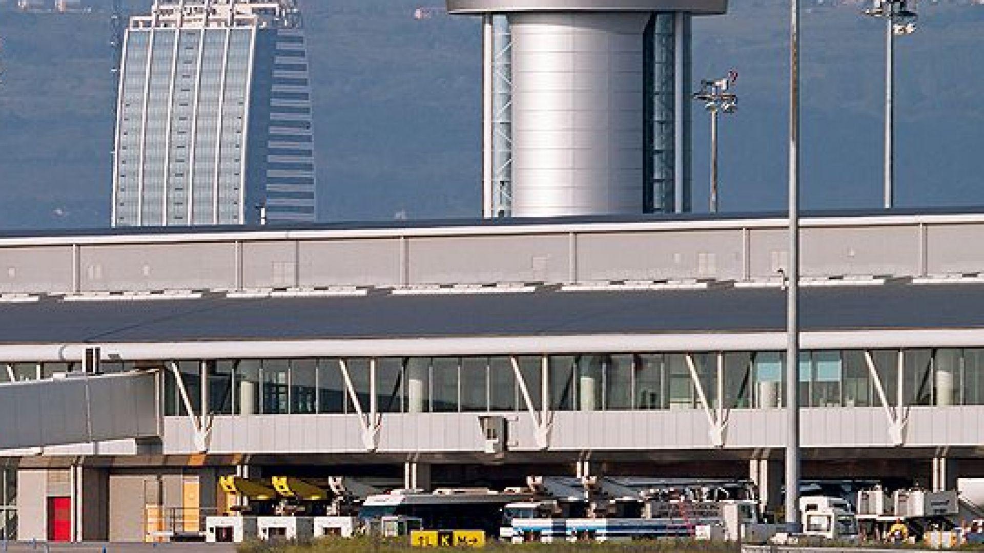 Прокуратурата търси виновника за излитането на самолет без проверка