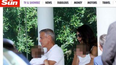 Амал и Джордж пристигнаха в Сардиния с близнаците (снимки)