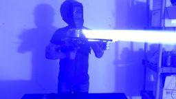 """Как да си направите """"лазерна базука"""" (видео)"""