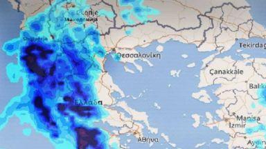 """Циклонът """"Нефели"""" удари Гърция (видео)"""