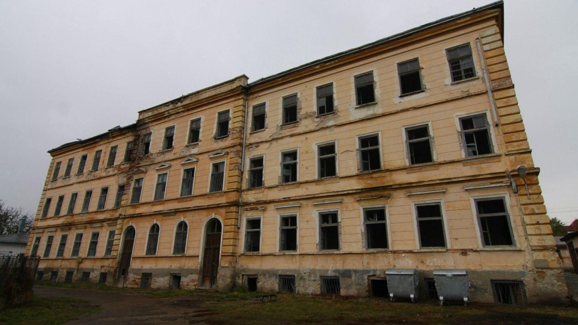 """Румъния разследва смъртта на 340 деца в """"Сиропиталището на ужасите"""""""