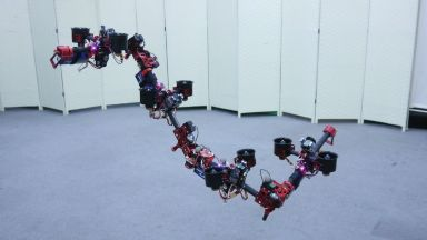 Създадоха летяща роботизирана змия