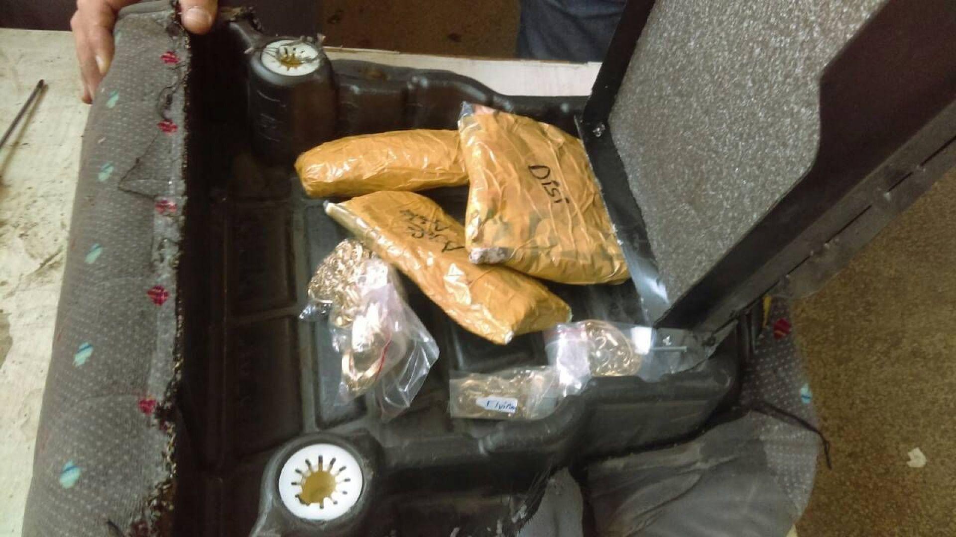 Златни изделия за над 40 000 лв. задържаха на Митница - Варна