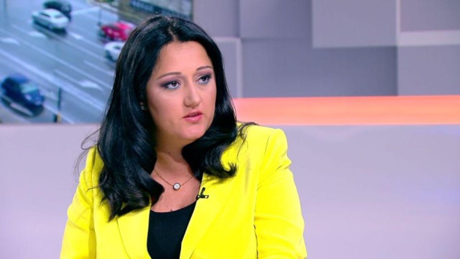 Павлова: Оставам министър до края на годината, за ЕП ще решава партията