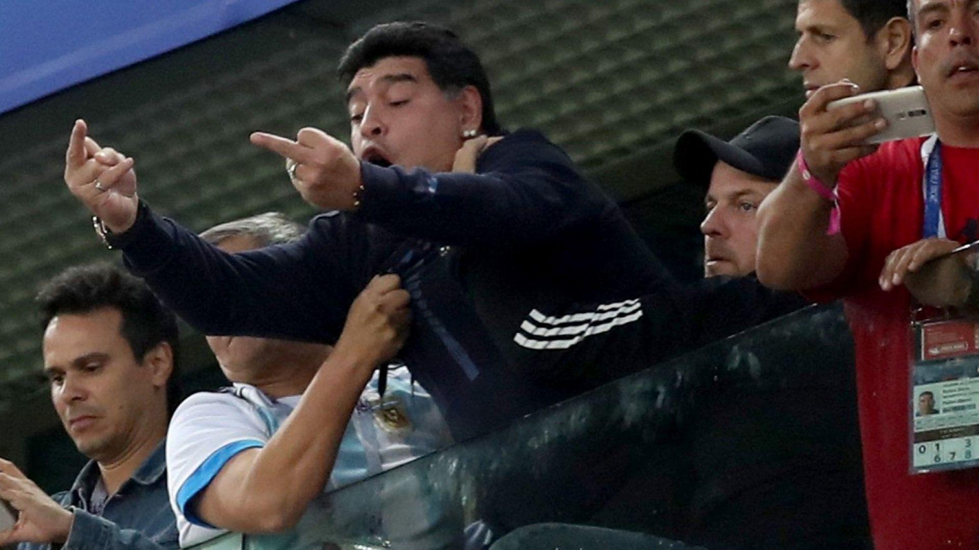 ФИФА плаща купона на Марадона -  $10 000 на ден, за да е на Мондиала