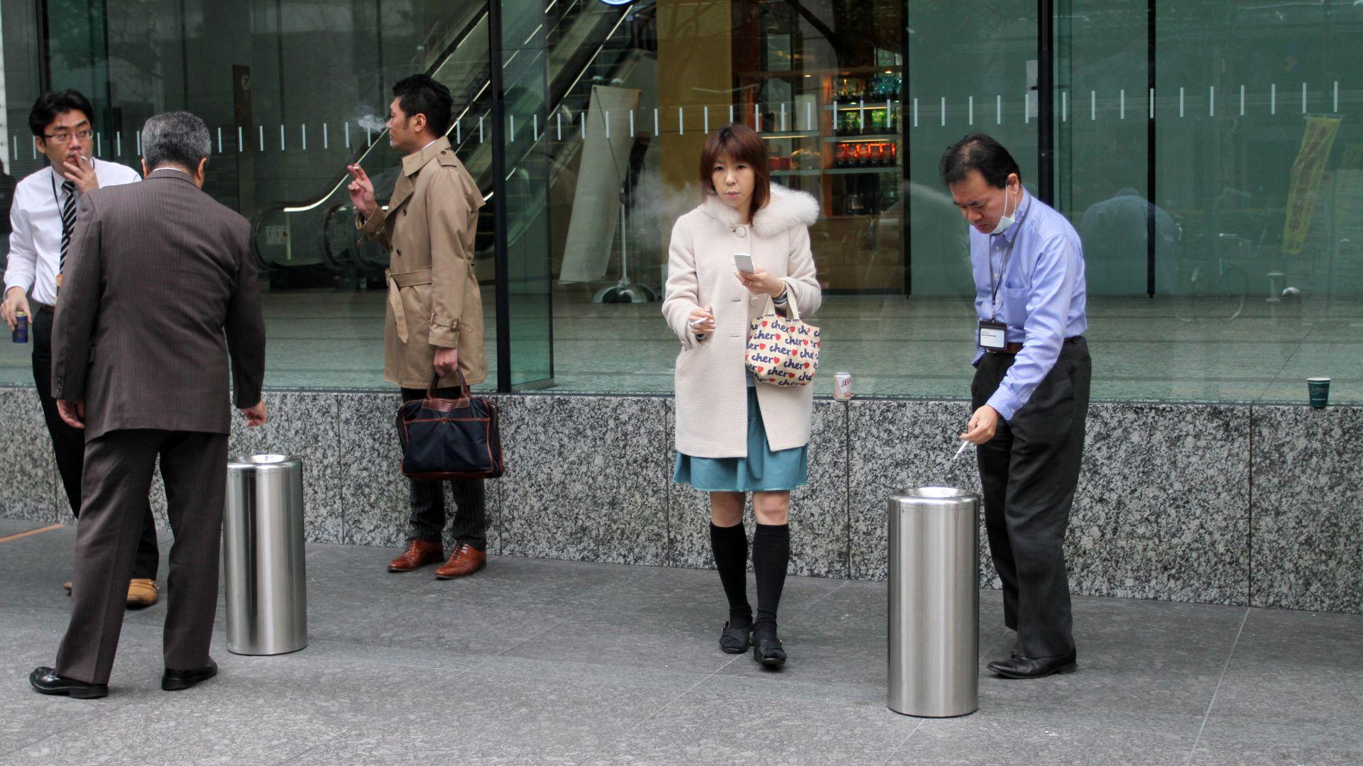 Токио забрани тютюнопушенето на обществени места