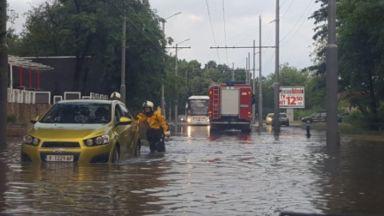 Порой наводни Сливен, опасно време в цялата страна