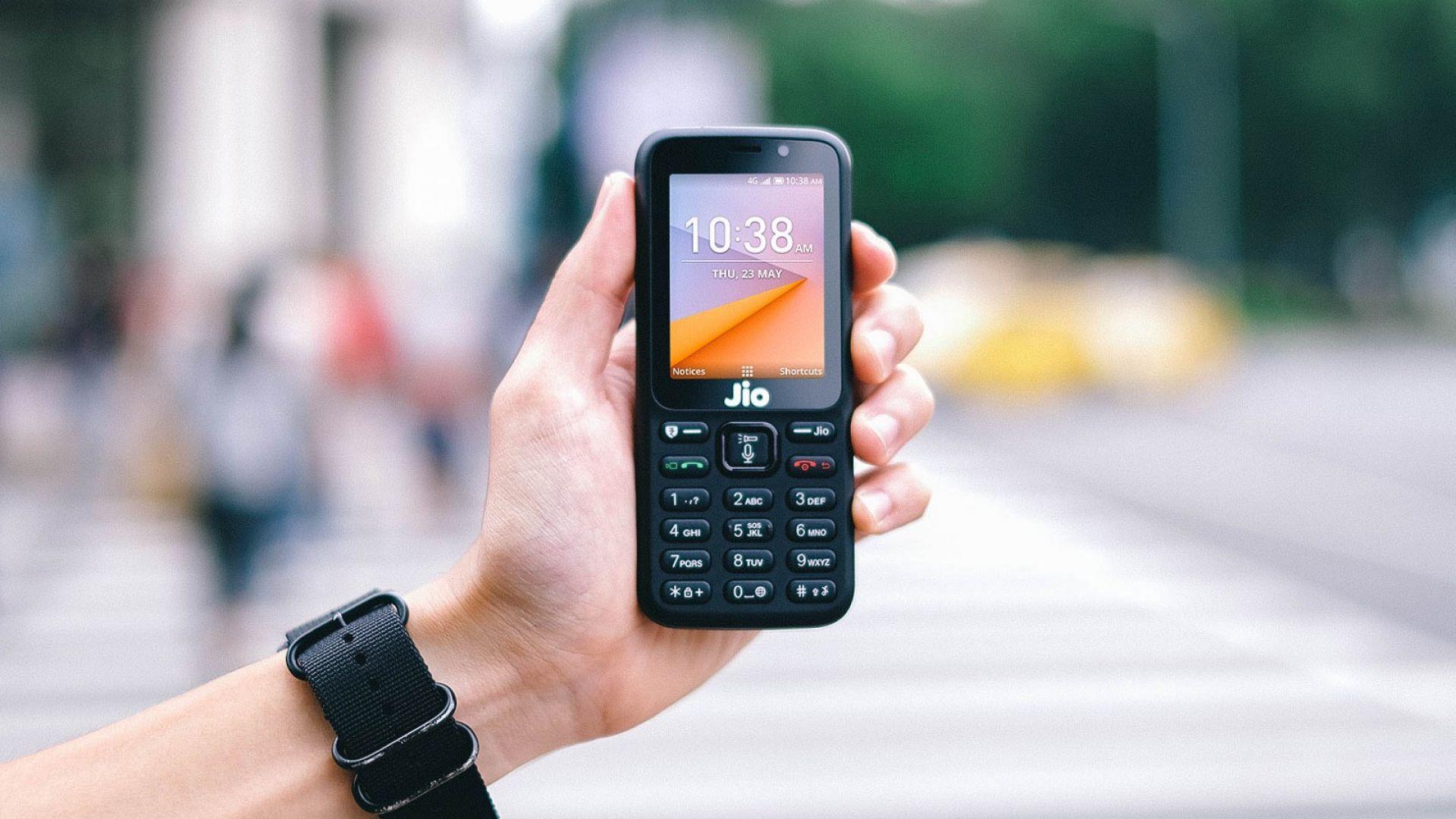 Расте търсенето на обикновени телефони